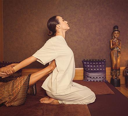 massage trị liệu quận 3 HCm