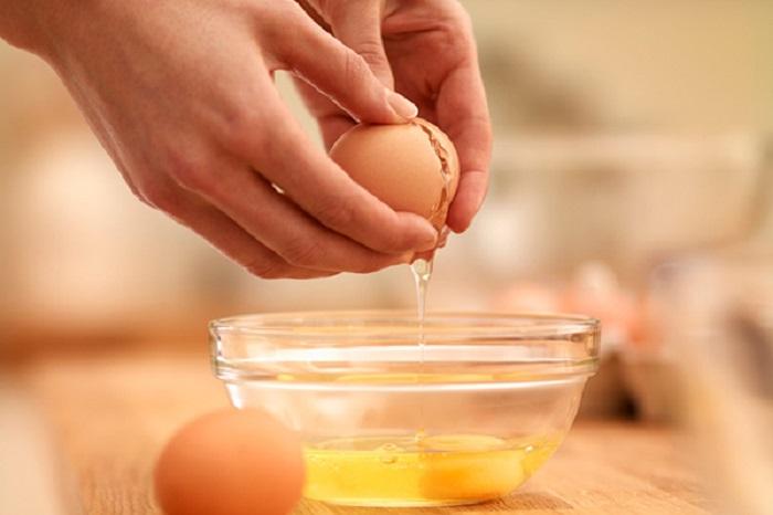 Cách trị mụn bằng trứng gà